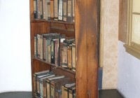 AnneFrankHouse_Bookcase