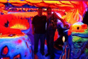 ladyland_fluorescent_sculpture_6